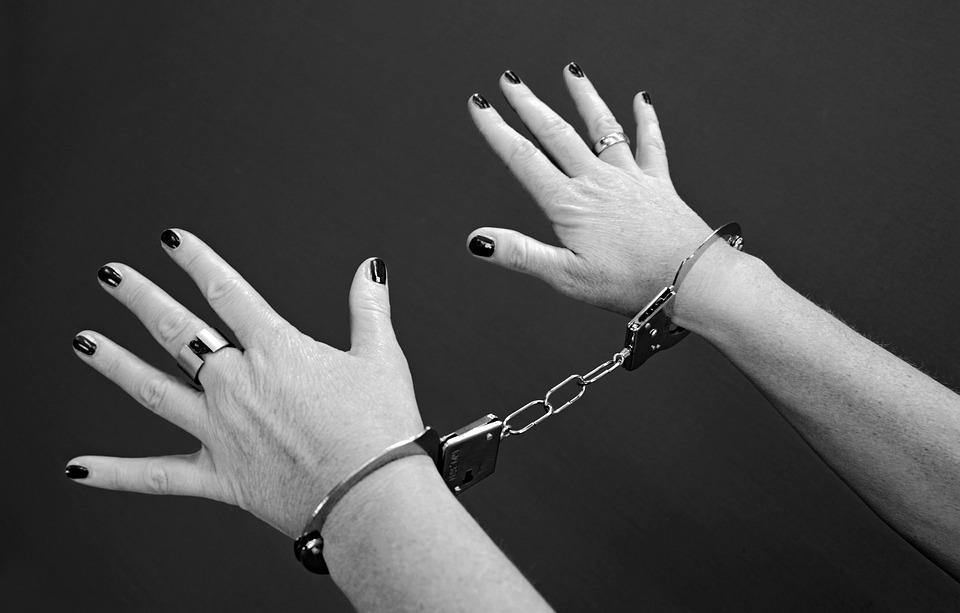 Handboeien, Gevangenen, Vrouw, Criminaliteit, Misdaad