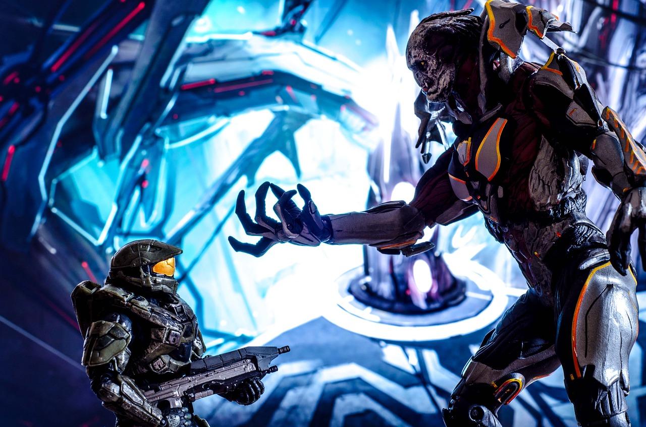 Halo Soldier vs Alien Battle