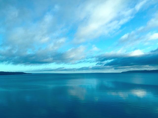 kostenloses foto  himmel  v u00e4ttern  lake  blau  natur