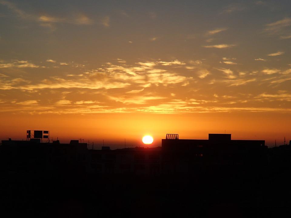 foto gratis amanecer sol edificios ciudad imagen