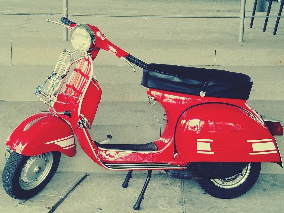 kostenloses foto vespa roller motorroller retro