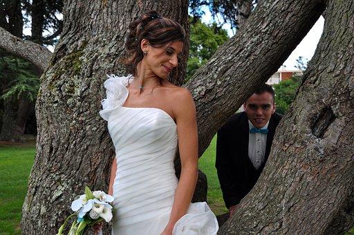 Bride And Groom Free White Wedding Photo W