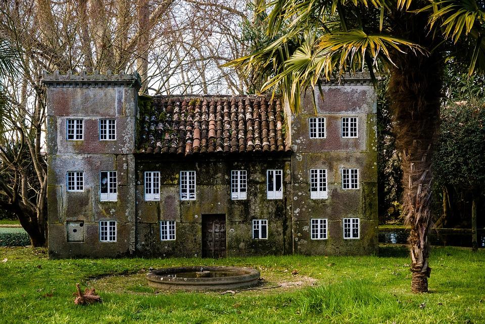 Photo gratuite maison miniature jardin miniature for Maison miniature en bois
