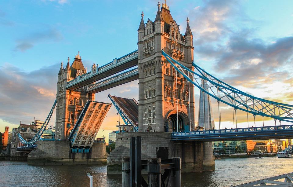 Tower Bridge Londýn Večer Večerné - Fotografia zdarma na Pixabay d28e4f8297c