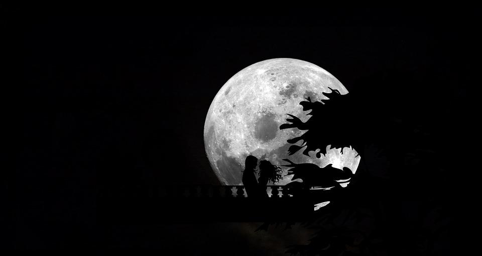 Moon Desain Background