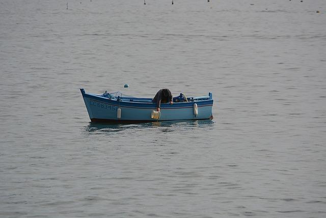 Photo gratuite p cheur barque eau port p che image for 902 10 23 43