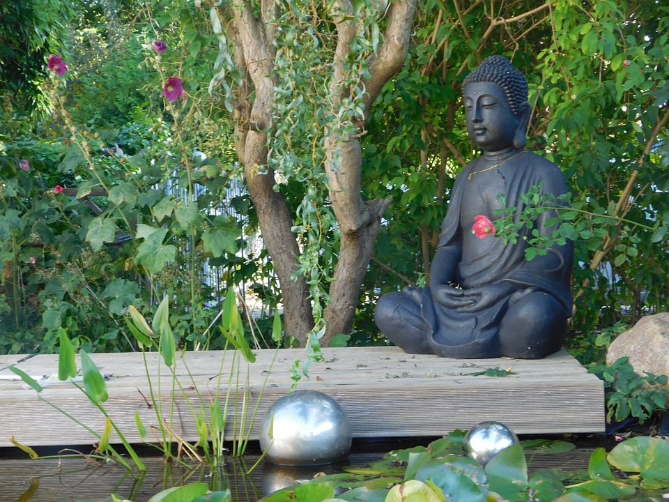 Free photo buddha figure garden relaxation free image on pixabay 982745 for Decoration jardin bouddha