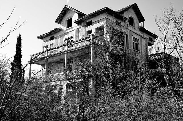Spring Villa Haunted House