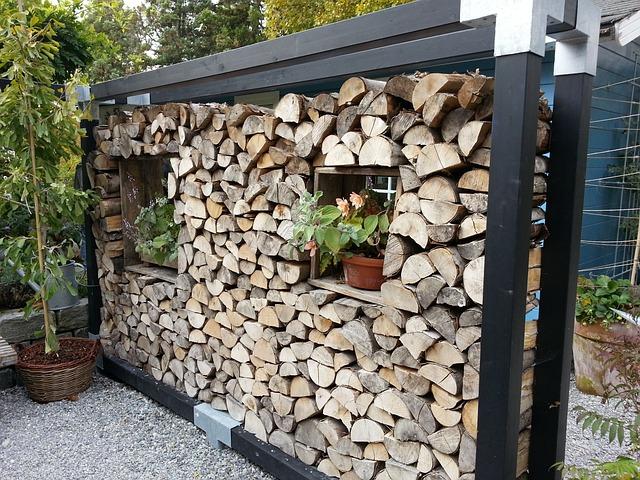 Holzstapel wood wall partition free photo on pixabay - Holzabtrennung garten ...