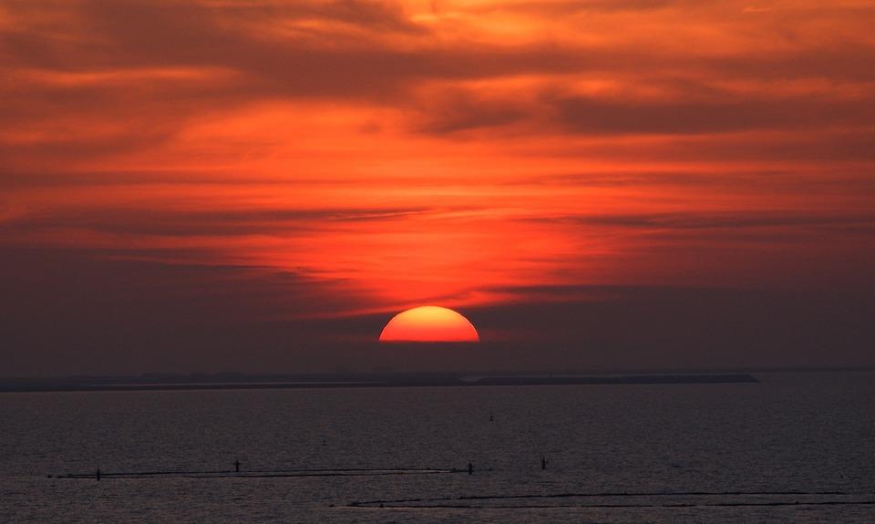 sunset-988554_960_720.jpg
