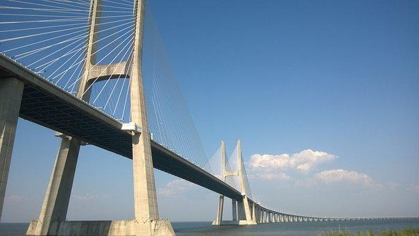 Curisidades de Lisboa, Puente Vasco da Gama, puente más largo de Europa