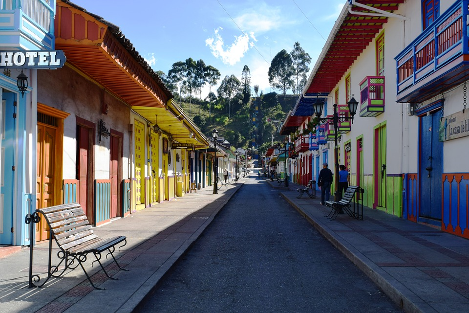 Colorful Colombia! Are you sure you want to miss out on these beautiful sceneries? Source: Pixabay