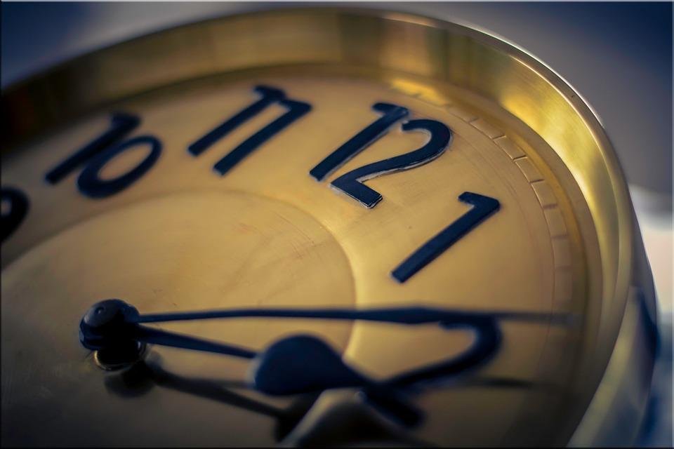 クロック, 時間, 時間を示す, クロックの顔, ポインター, ブラス, 古い