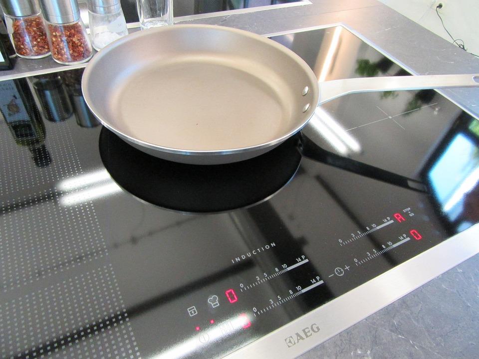 cuoco scuola di cucina pan induzione