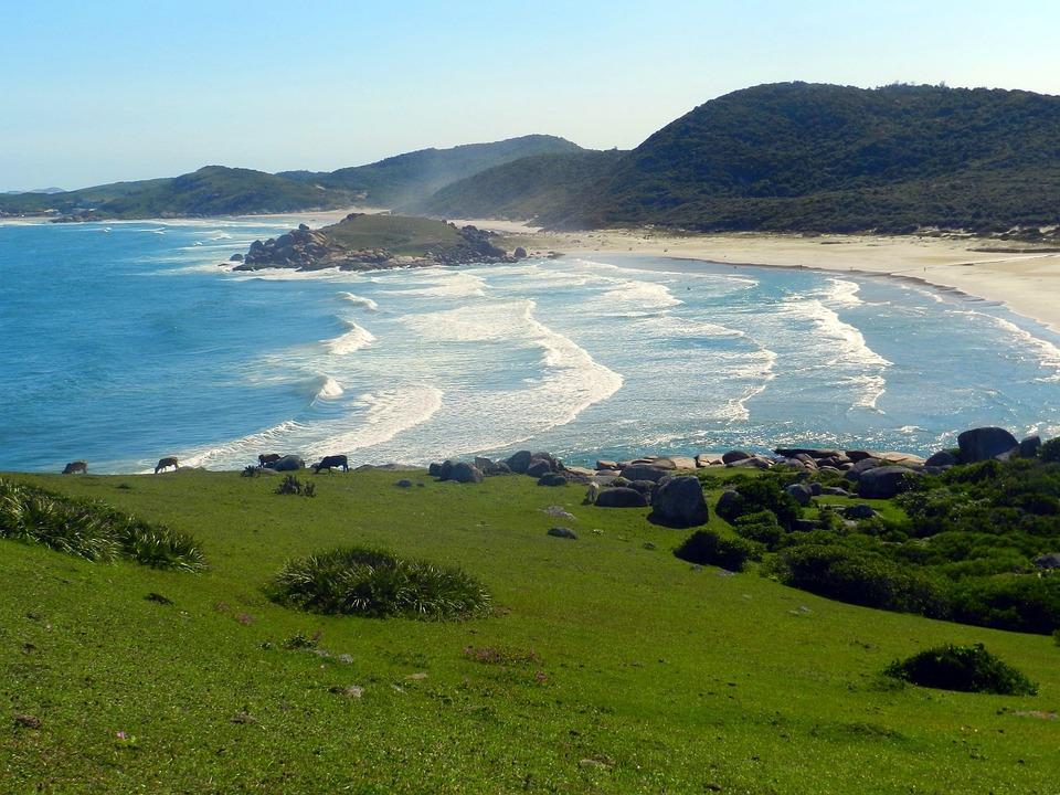 litoral de santa catarina, praia do gravata em lagura sul do brasil