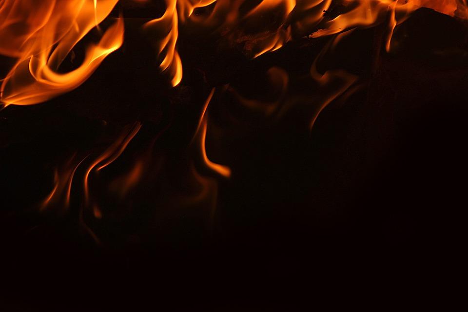 Unduh 1010+ Background Hitam Api HD Terbaru