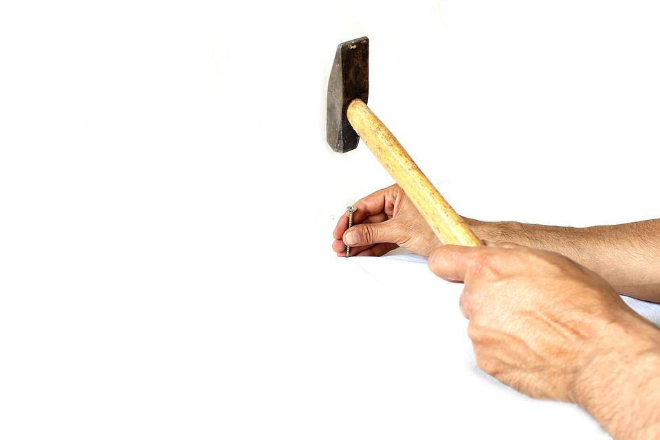 kostenloses foto hammer mitarbeiter wei223 stein