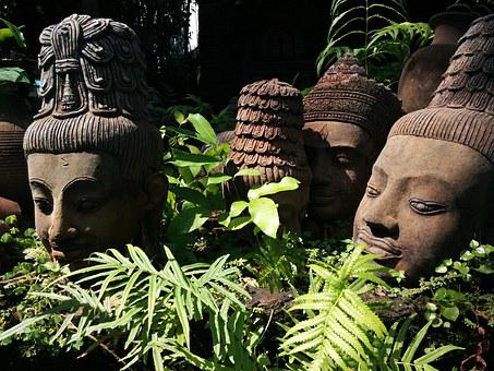 terracotta-statues-garden