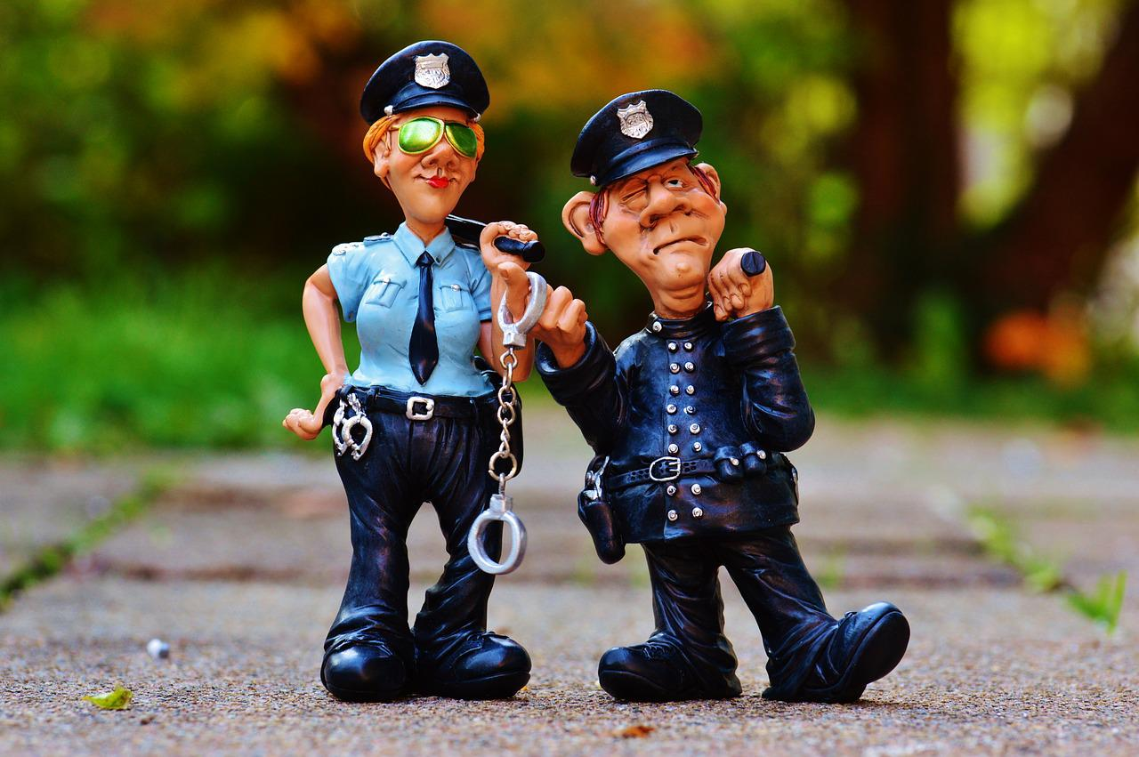 Figurines of a two police officers