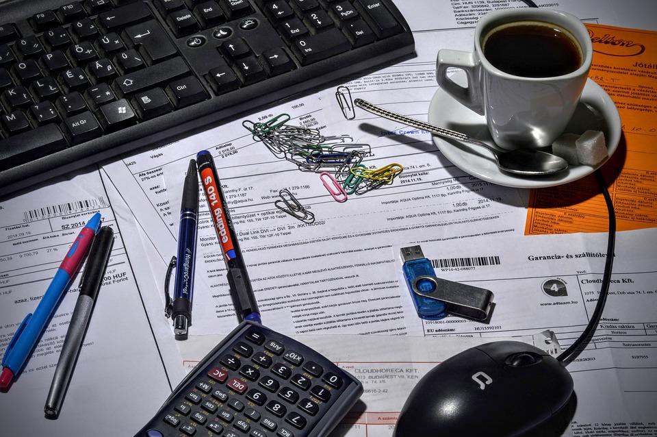Boekhouder, Kantoor, Koffie, Calculator, Toetsenbord
