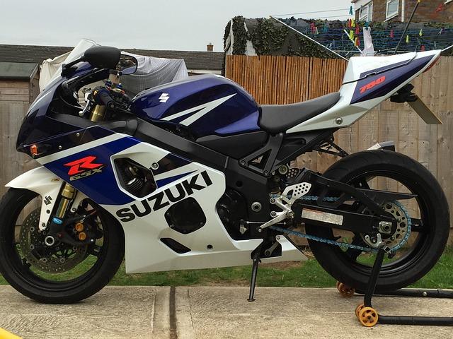 Suzuki moto photo gratuite sur pixabay for Ouvrir garage moto