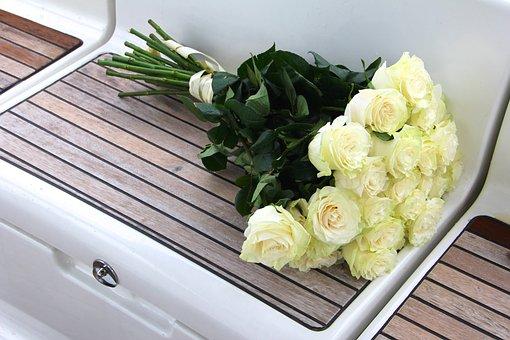 Букет роз в векторе на прозрачном фоне, цветы на заказ поштучно москва