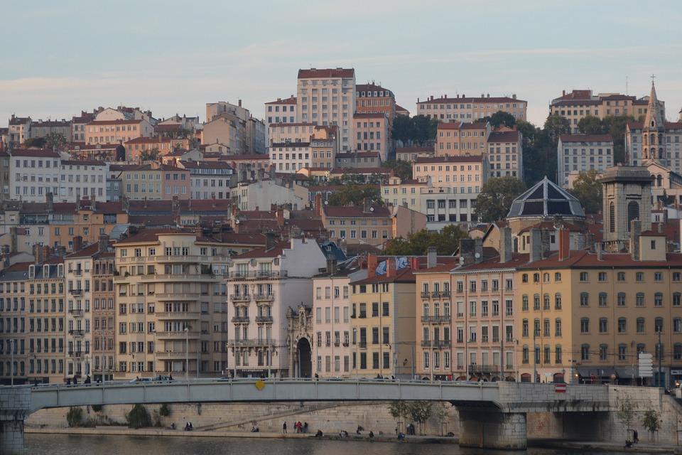 Ville - Espace urbain - Lyon - France - SchoolMouv - Géographie - CM1