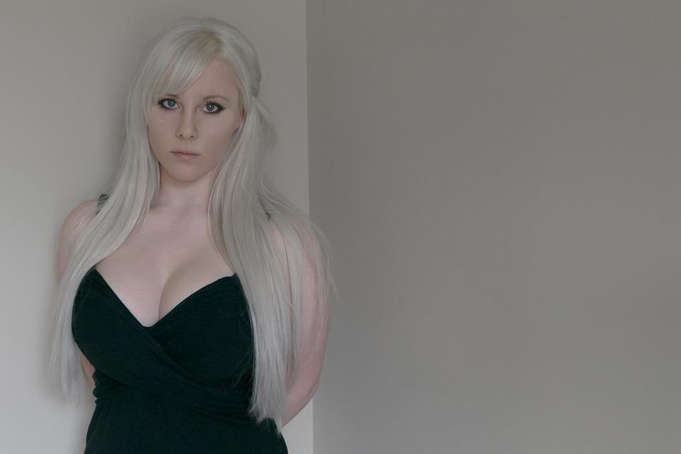 1 blondine und 2 schwarze rohre - 4 1