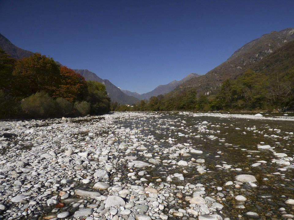 Charming River Stones Riverbed Pebble Nature Waters