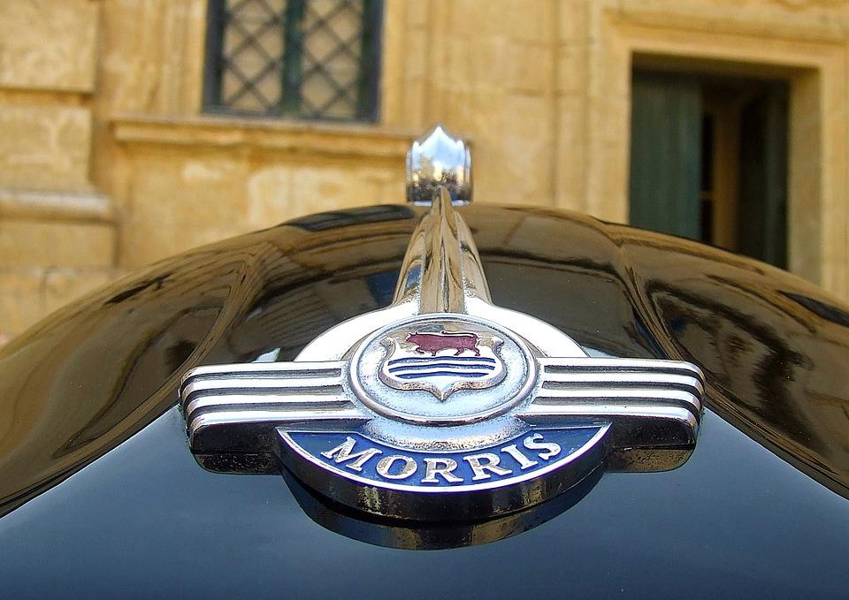 Vintage Classic Morris Bonnet Badge Car Badges