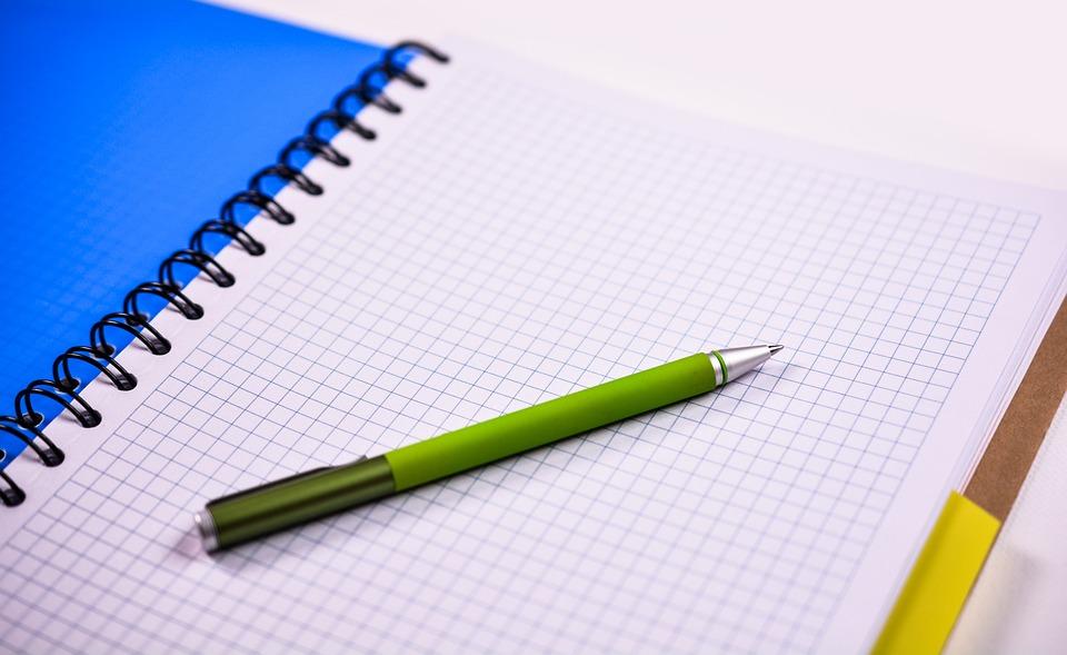 kostenloses foto notebook stift papier b ro kostenloses bild auf pixabay 1042595. Black Bedroom Furniture Sets. Home Design Ideas