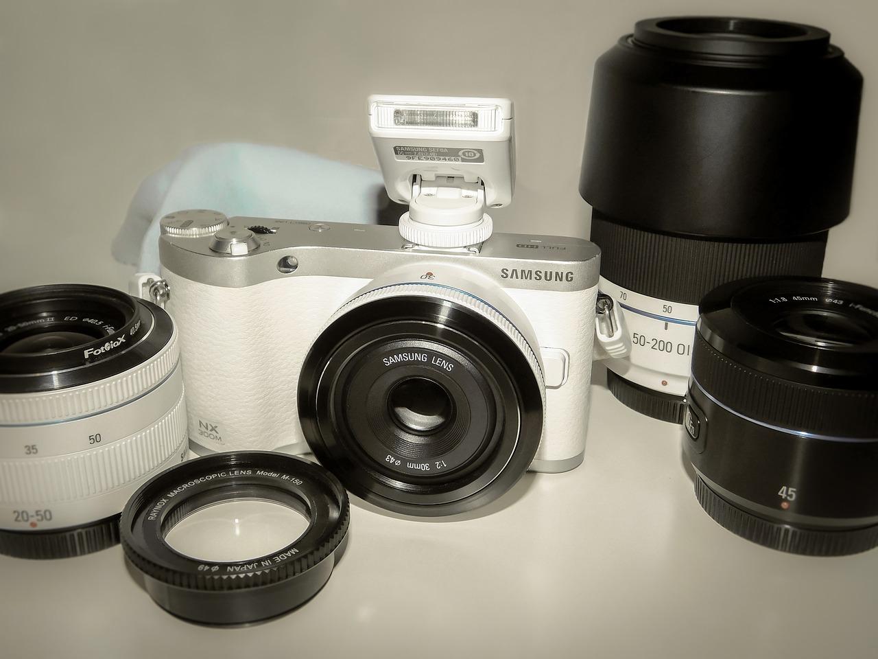 Confronta fotocamere digitali bridge 45
