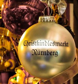Christkind oder Weihnachtsmann? In Nürnberg ist die Sache klar