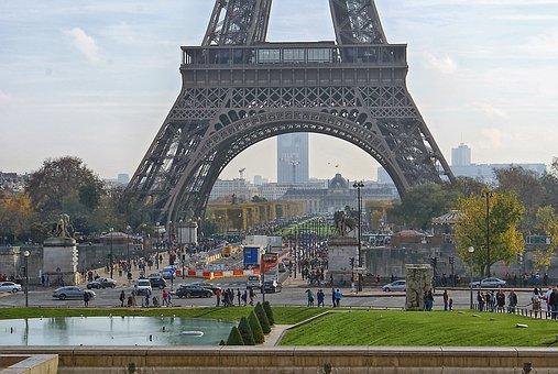 Tour eiffel en construction images gratuites sur pixabay - Tour eiffel photos gratuites ...