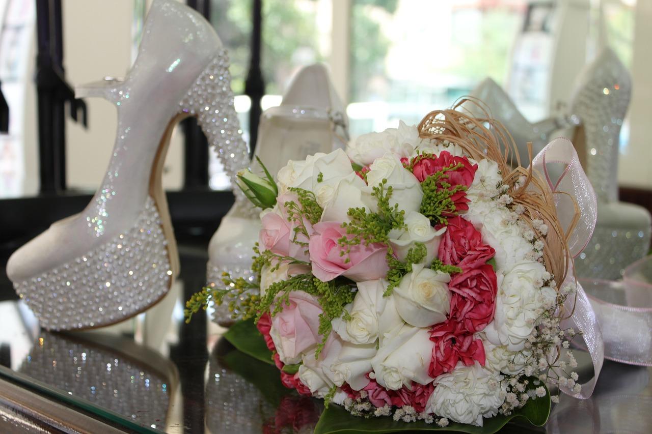 Фото букетов и свадеб