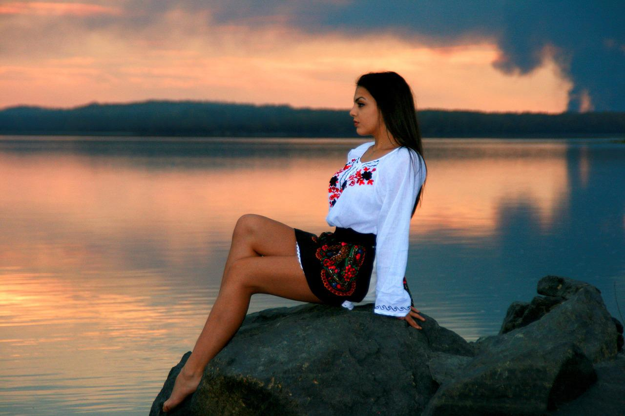 summer lake single women Summer lake's best 100% free online dating site meet loads of available single women in summer lake with mingle2's summer lake dating services find a girlfriend or lover in summer lake, or just have fun flirting online with summer lake single girls.