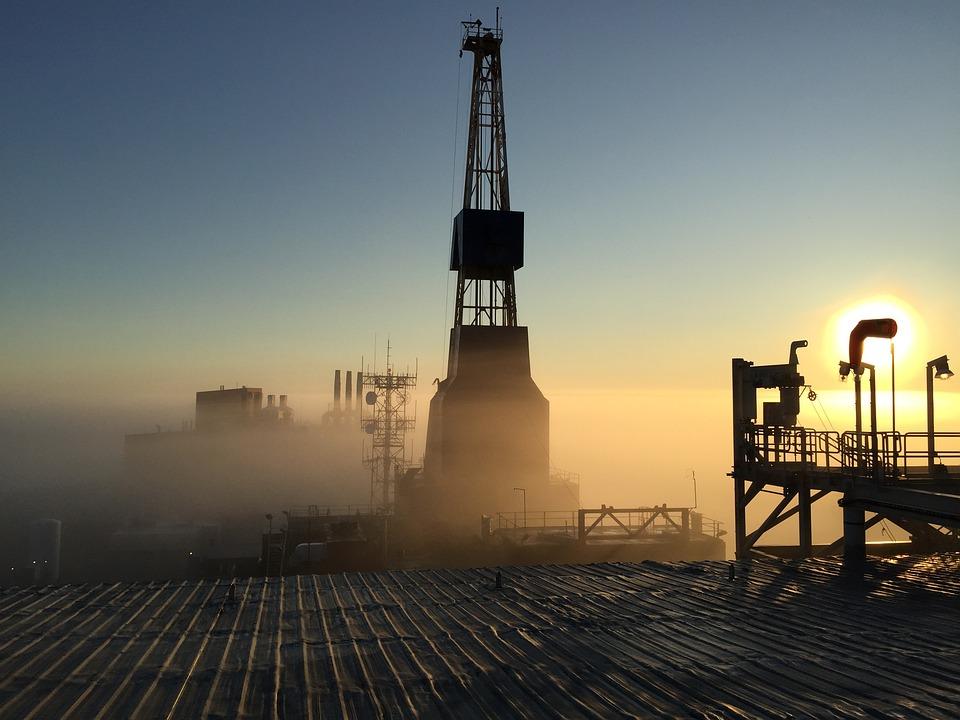 oil rig free images on pixabay