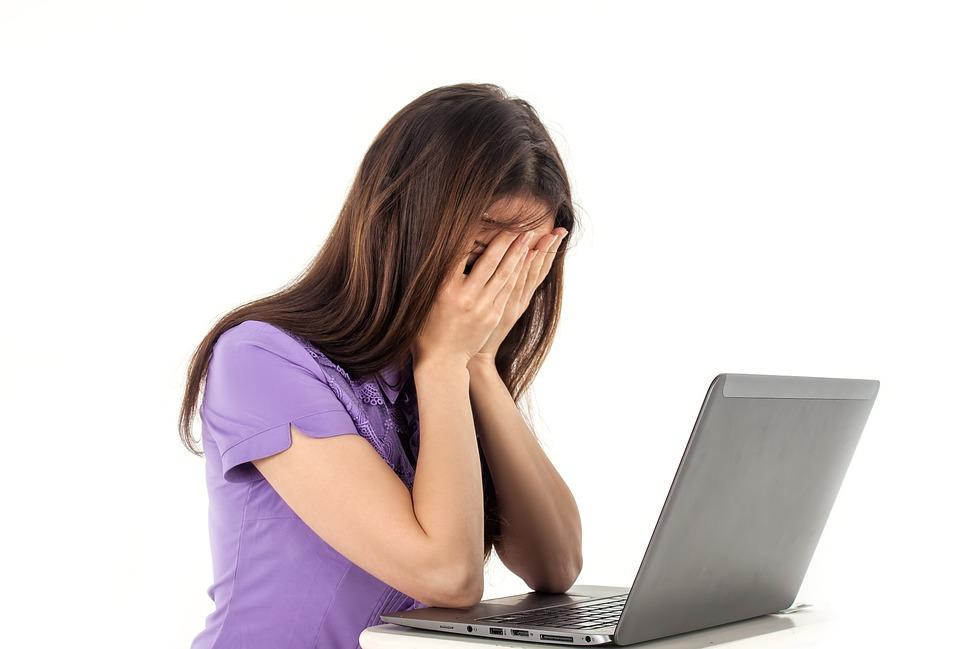 Dziewczyna, Komputer, Notatnik, Białe Tło, Emocje