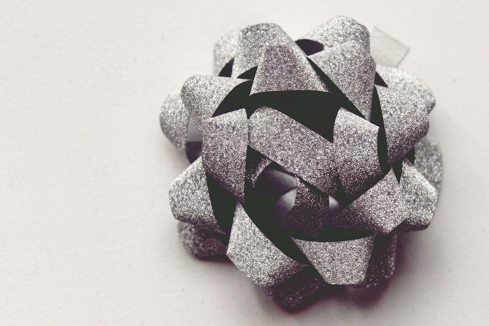 rosette de cadeau ruban photo gratuite sur pixabay. Black Bedroom Furniture Sets. Home Design Ideas