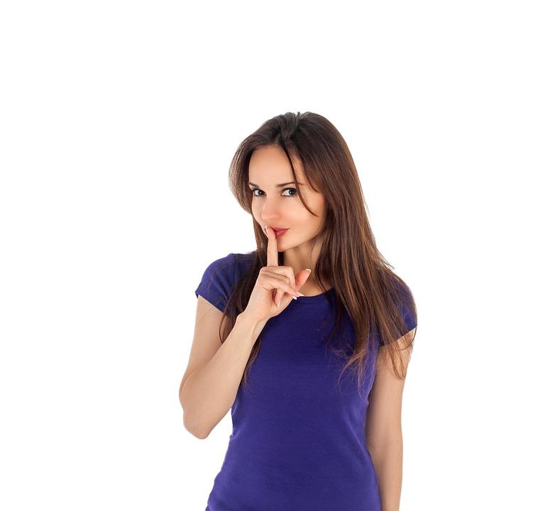 女の子, 静かです, 沈黙, 喜怒哀楽, 白色の背景, ジェスチャー, 女性, 若い, 魅力的, 人々