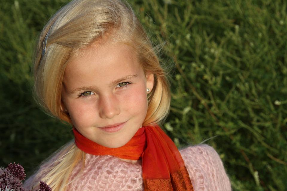 Blonde Girl Smiling 183 Free Photo On Pixabay