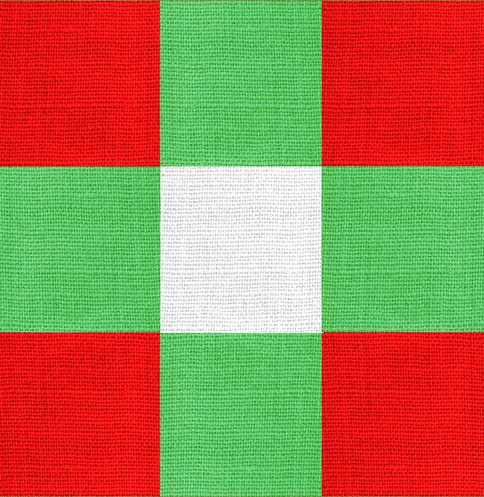 christmas fabric colors red green white blocks - Why Are Red And Green Christmas Colors
