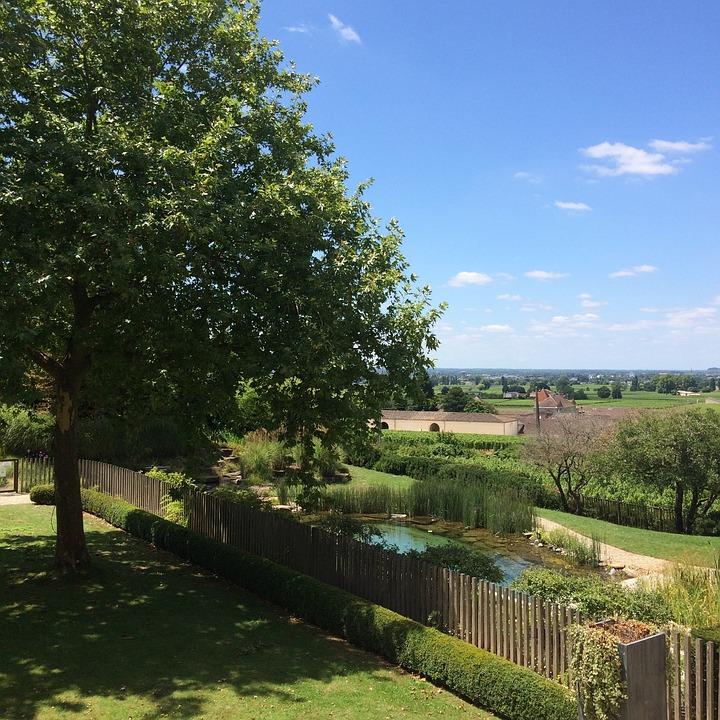 Bordeaux Landschaft Garten Hinterhof