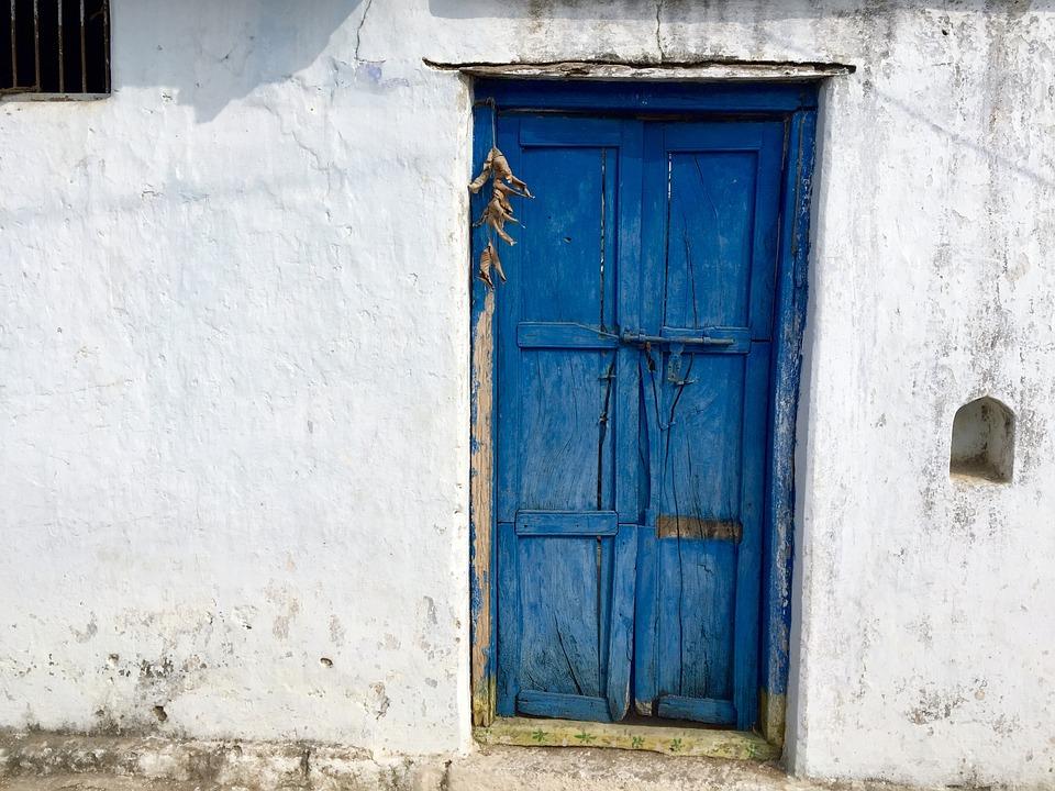 Puerta azul madera foto gratis en pixabay - Puerta madera antigua ...