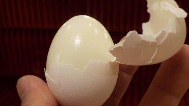 Hard Boiled Eggs Crack Shell Break Hard Bo