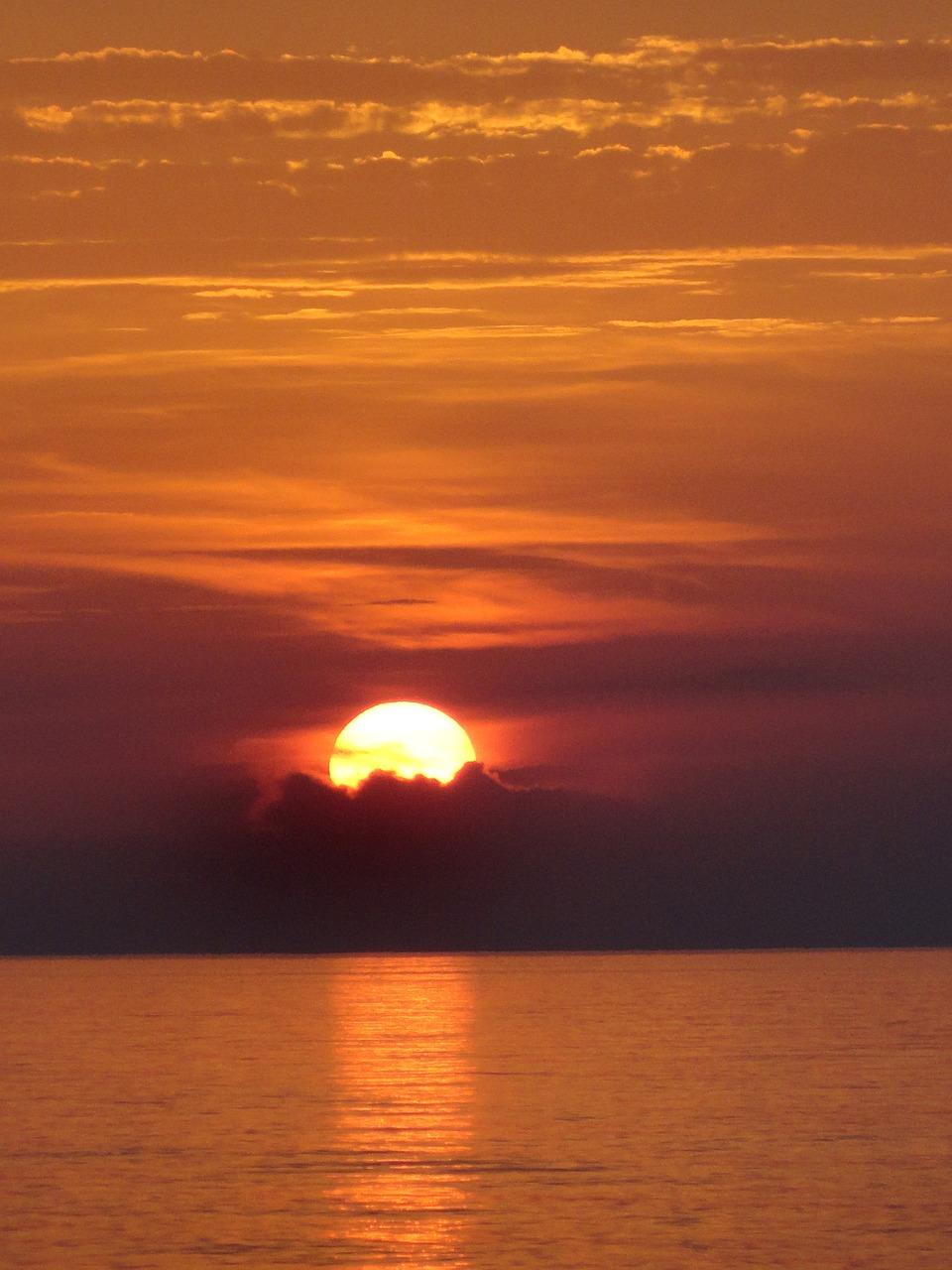 унисекс картинка оранжевый закат у моря этой