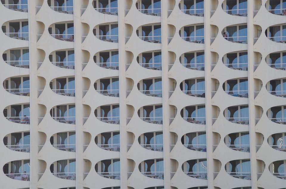 Photo gratuite fa ade immeuble fen tres image for Facade immeuble moderne