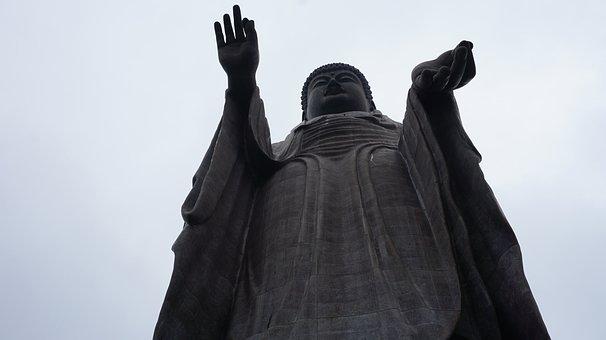 牛久大仏, 仏教の僧侶 Aminat 目。, 彫像