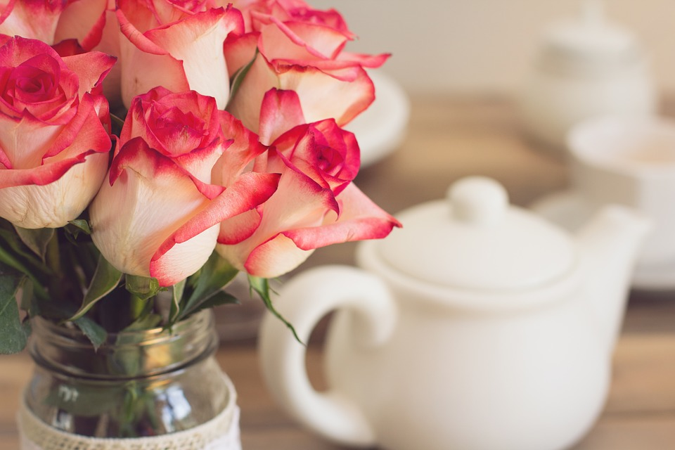 roses bouquet tea party free photo on pixabay. Black Bedroom Furniture Sets. Home Design Ideas