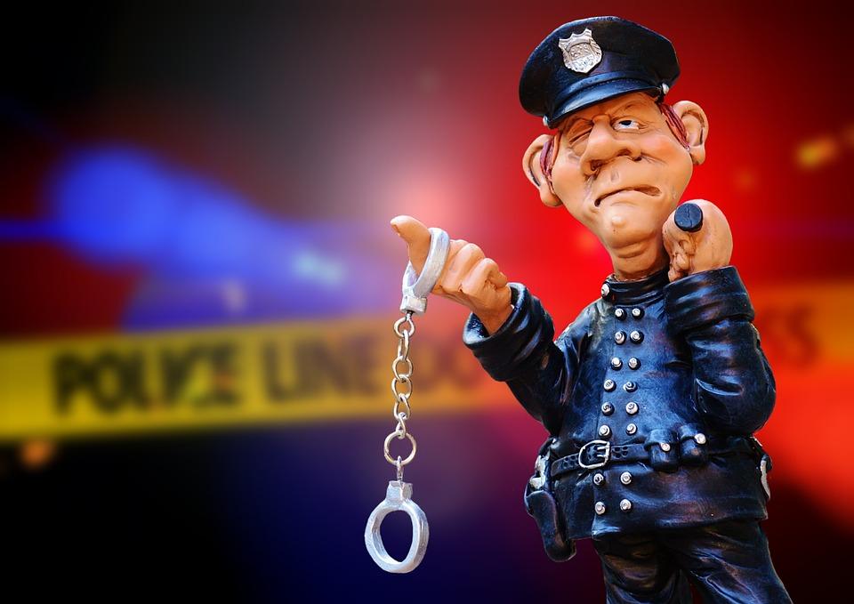警察, 犯罪のシーン, 青い光, ディスカバリー, 手錠, 逮捕, 刑事事件, 犯罪, でした, 血液